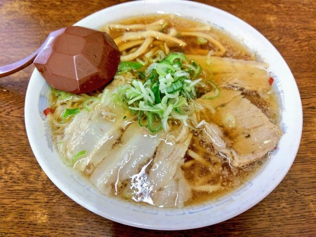 福島・会津喜多方「あべ食堂」中華そばとチャーシューメン