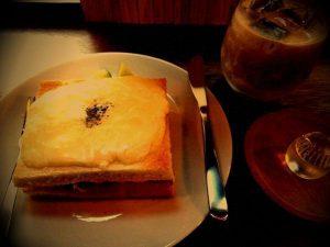 京都・丸太町「月と6ペンス」サンドイッチ