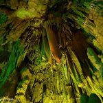 地球の息吹を感じる空間。福島・田村市「あぶくま洞」